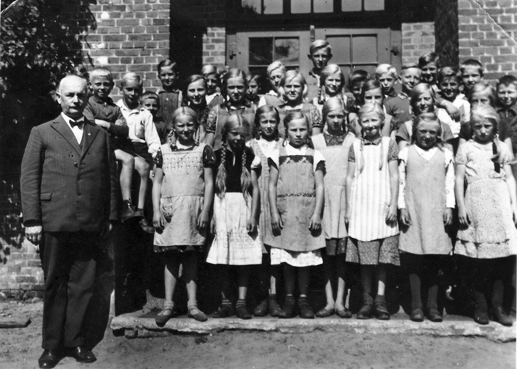 ca 1935, Klassen 1 bis 8